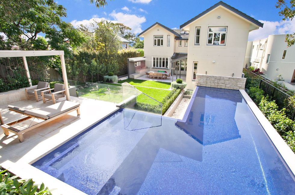 Freestyle pools thornleigh for Pavillon moderne construction
